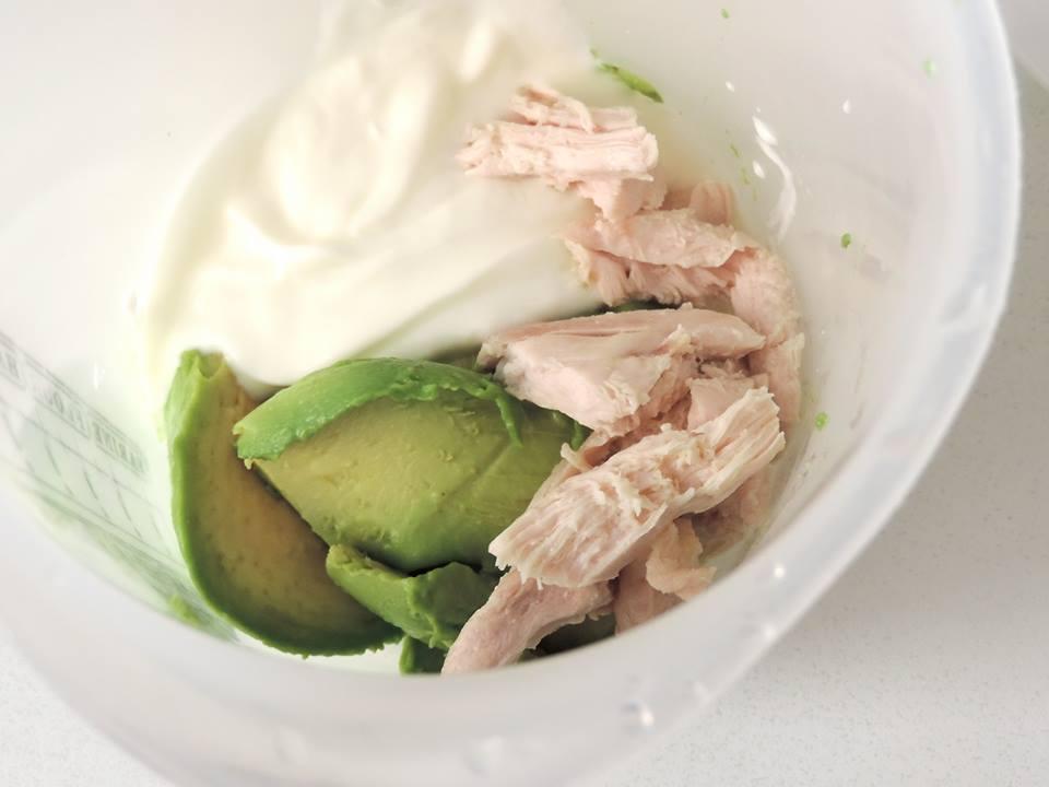 Ruxandra Luca, avocado cu piept de pui si iaurt, hrana bebelus