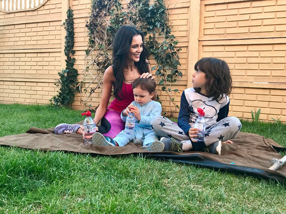 Ruxandra Luca, 7 metode prin care imi conving copiii sa bea mai multa apa