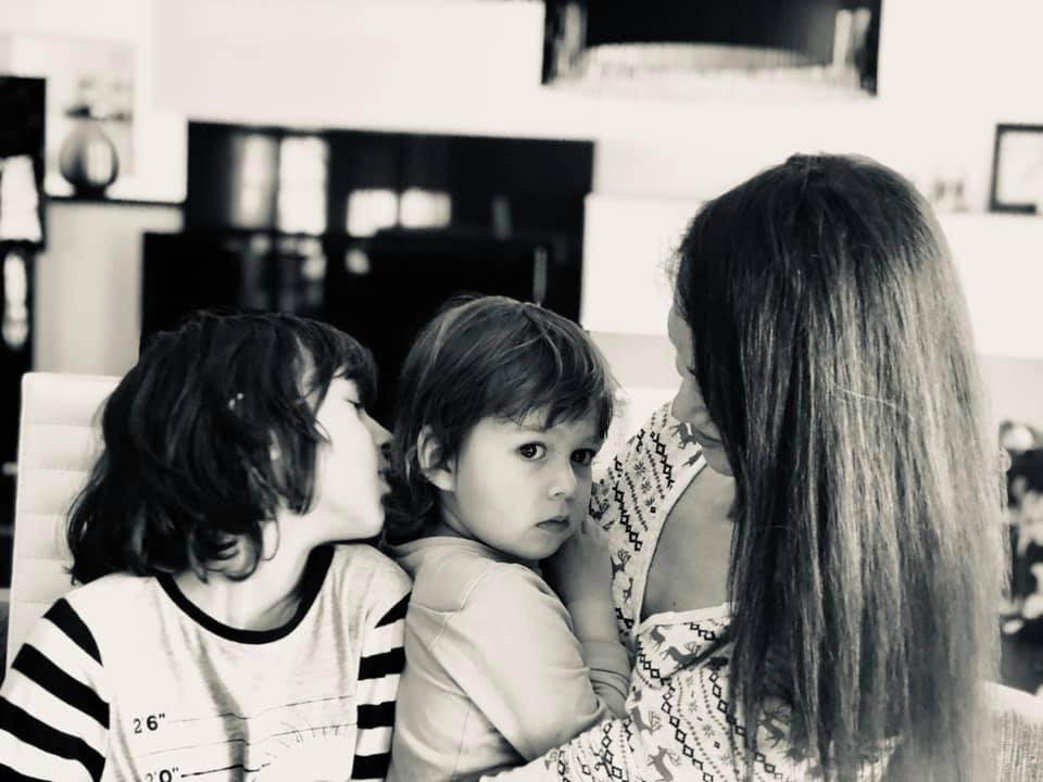Copiii mei nu îmi aparțin, dar eu simt ca sunt a lor