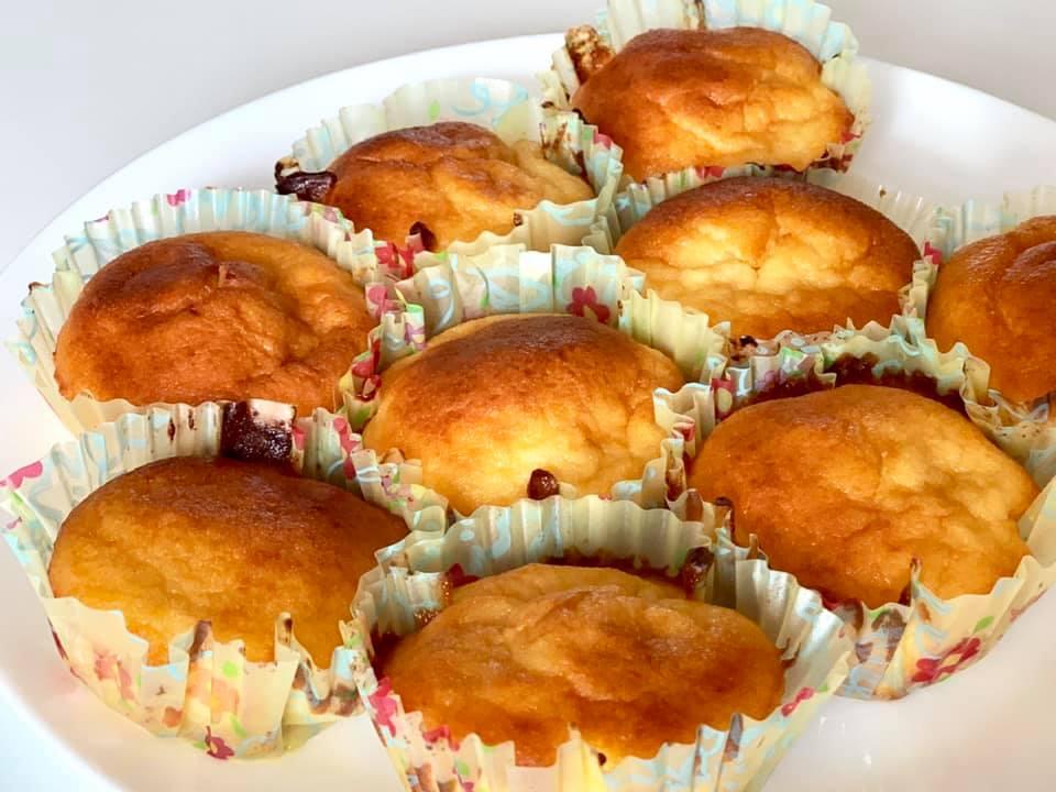Papanași moldovenești cu brânză sub formă de brioșe