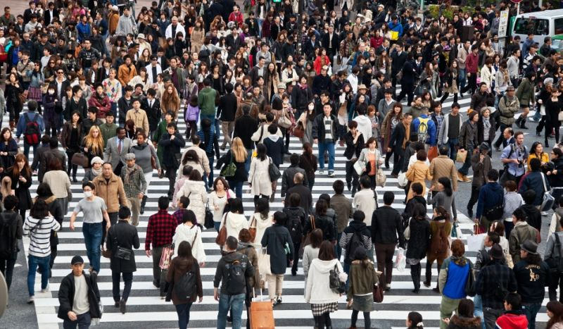 multime de oameni, coronavirus