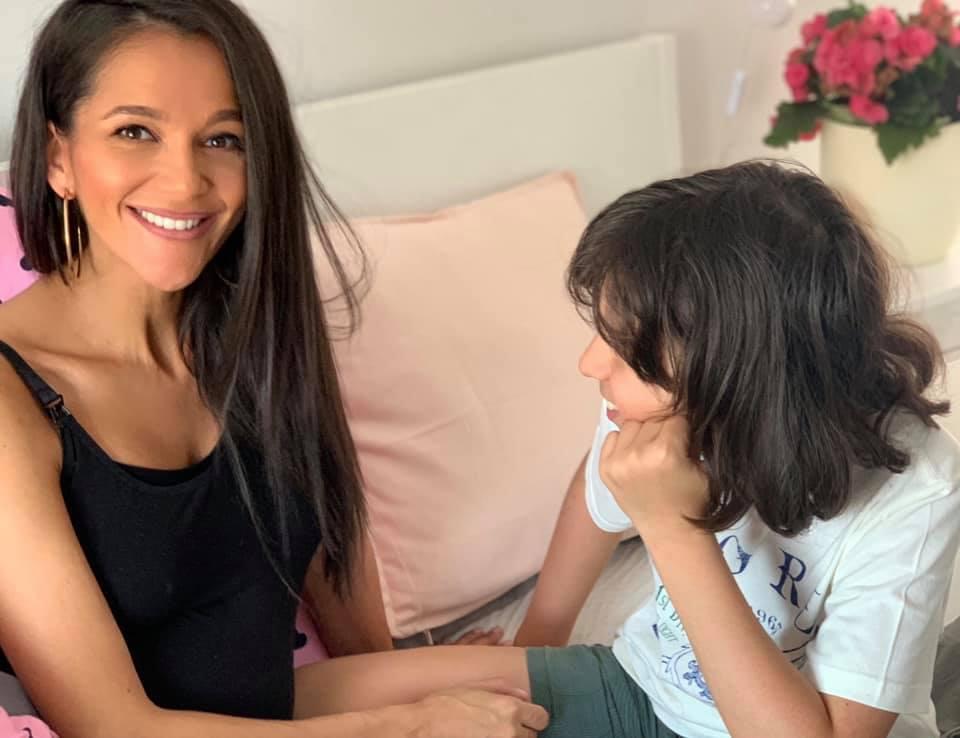 Cum poți sprijini viitorul copilului tău, mai mult decât printr-o îmbrățișare și o vorbă bună