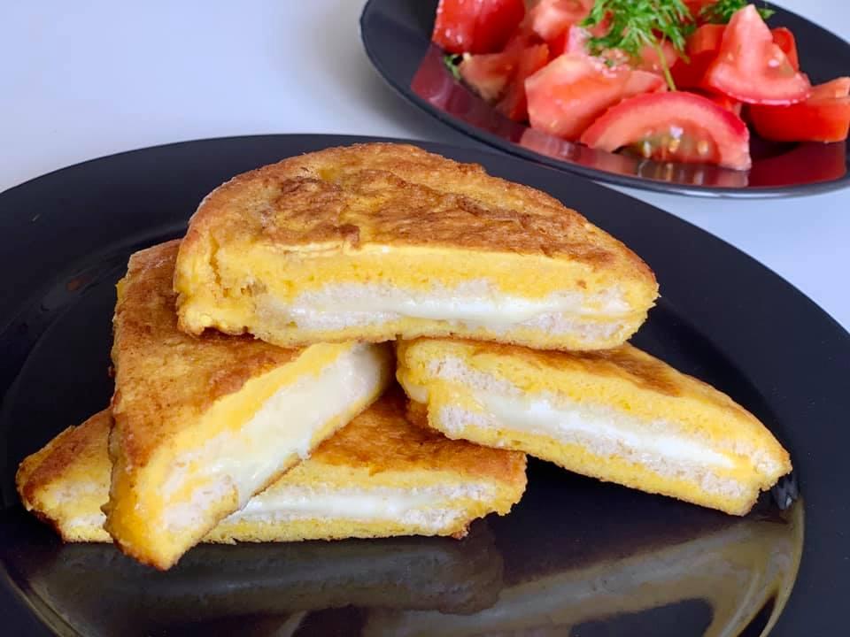 Sandviș delicios pentru micul dejun