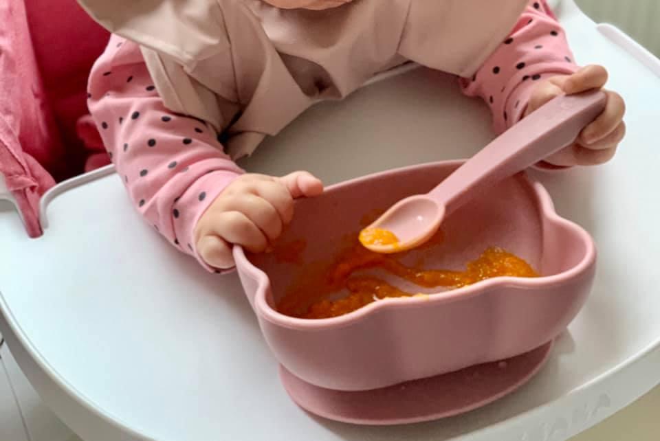 Cum ne-am pregătit pentru etapa diversificării fetiței noastre și cu ce am început