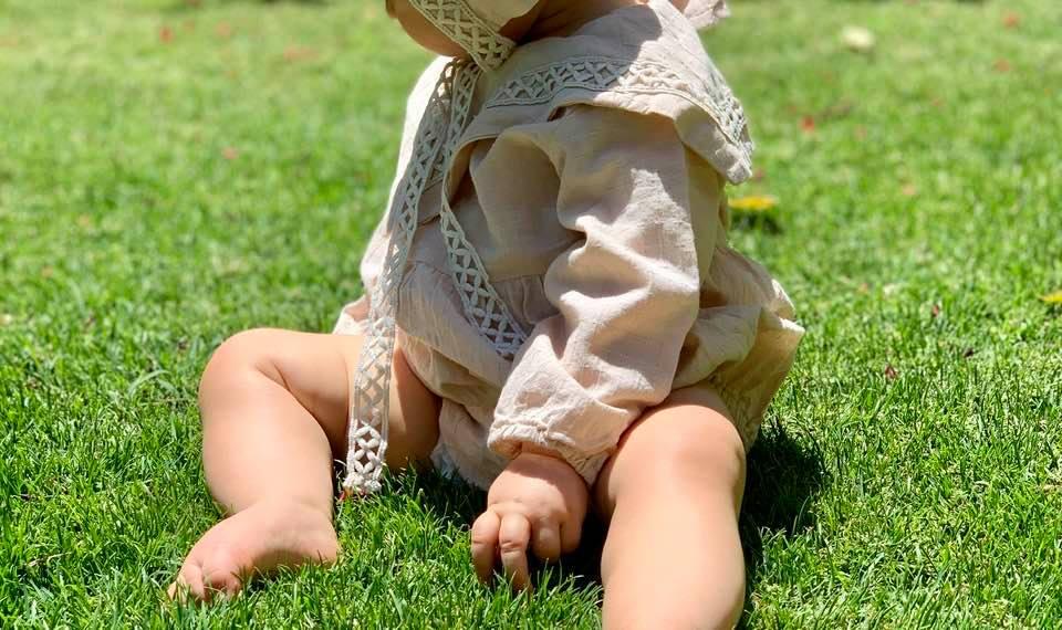 Cum alegem încălțările potrivite pentru primii pași ai copiilor (sfaturile ortopedului pediatru)